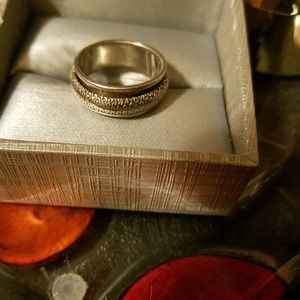 Jewelry - 925 vintage spinner ring size 7